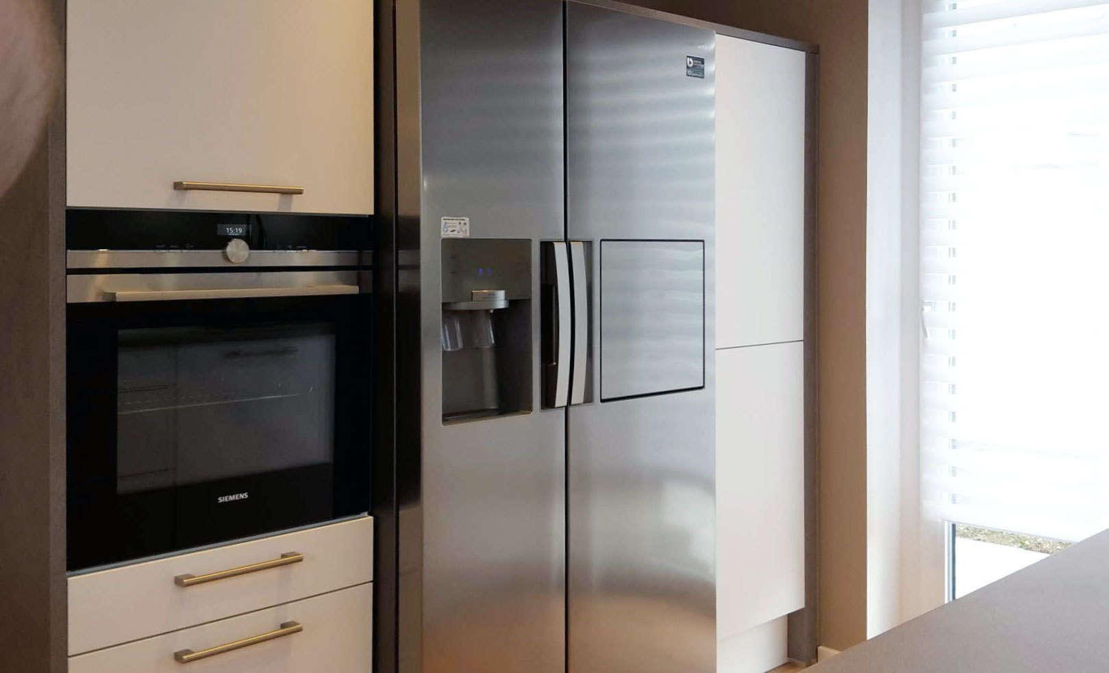 k che mit integriertem side by side vom k chenstudio blank k chen blank ihr k chenstudio in. Black Bedroom Furniture Sets. Home Design Ideas
